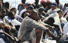 Immigrazione: il 46% degli italiani ritiene che l'Italia non debba aiutare i rifugiati