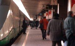 Livorno: ruba un martelletto e minaccia i viaggiatori in stazione. Denunciato un 47enne palermitano