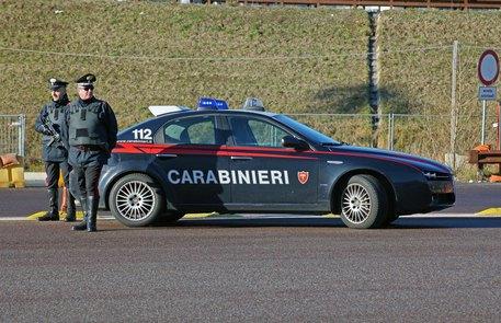 Carabinieri di Rovereto, controlli stradali. Pattuglia con scritta carabinieri e 112. ANSA/CARABINIERI ROVERETO
