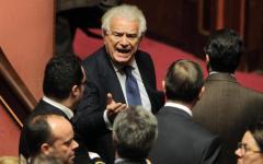 Politica, vertice Pd-Ala: Verdini e Rosato, nessun cambio di maggioranza. Le opposizioni: Renzi salga al Quirinale