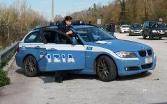 Firenze: polizia stradale soccorre studenti tedeschi. Il loro pullman era in panne