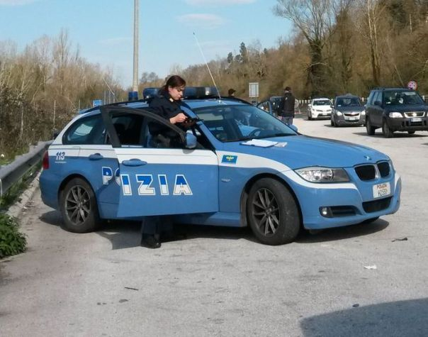 Polizia stradale polstrada posto di blocco