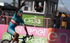 Giro d'Italia: Vincenzo Nibali vince la tappa di Risoul con arrivo solitario. Chaves nuova maglia rosa