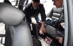 Arezzo: arrestati dalla polizia stradale con 20 Kg di sigarette di contrabbando in auto