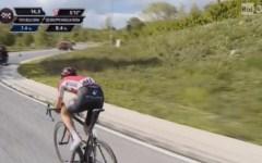 Giro d'Italia: Tim Wellens vince la tappa sull'Aremogna, Dumoulin conserva la maglia rosa
