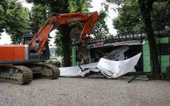 Firenze, Cascine: chiosco alimentare abusivo abbattuto dal Comune