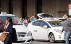 Firenze, lavori tramvia: andare a Careggi in auto è impresa impossibile, la denuncia dei tassisti
