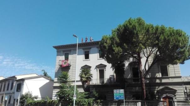 Sgombero a Firenze, 9 giovani arrestati