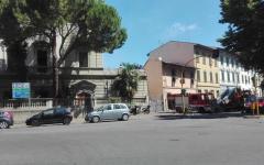 Firenze: occupanti abusivi salgono sul tetto per evitare lo sgombero