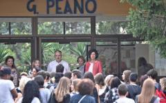 Firenze: Agnese Renzi primo giorno di scuola all'istituto G. Peano