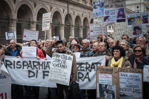 PUNTO 1-Banche, sindacati minacciano sciopero dopo parole Renzi su occupati