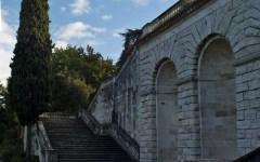 Maltempo Firenze: cadute pietre sul viale Poggi, senso unico da Piazzale Michelangelo a via bastioni