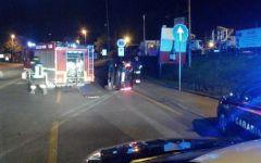 Firenze: auto inseguita dai carabinieri si ribalta. Arrestati due fratelli