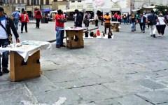 Firenze: scoperto un deposito dei venditori abusivi. Quattro persone arrestate, merce sequestrata