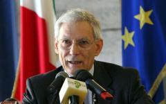 Referendum: Il quirinale spiega che per rinviarlo occorre una legge. Tra dieci giorni la decisione del Tribunale di Milano sul ricorso di On...