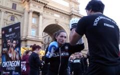 Firenze: kickboxing, show di Gloria Peritore in Piazza della Repubblica