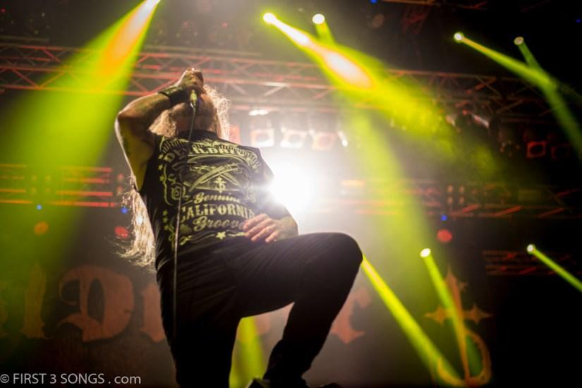 first3songs-olga-devildriver-metaldays-web-7298