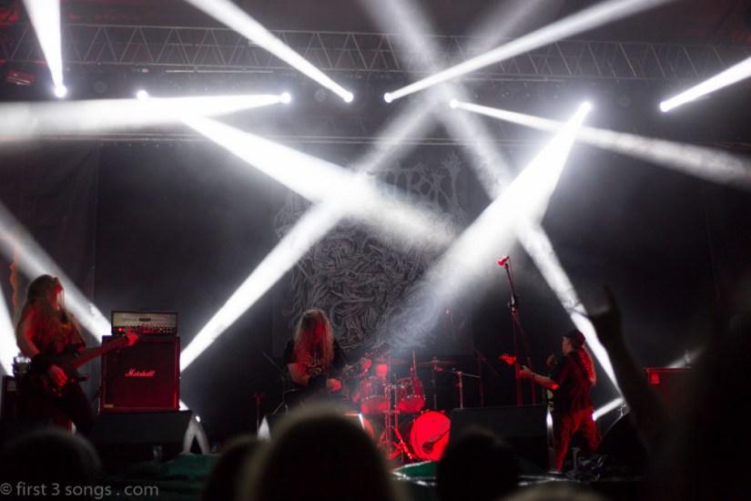 first3songs-olga-incantation-metaldays-web-6542