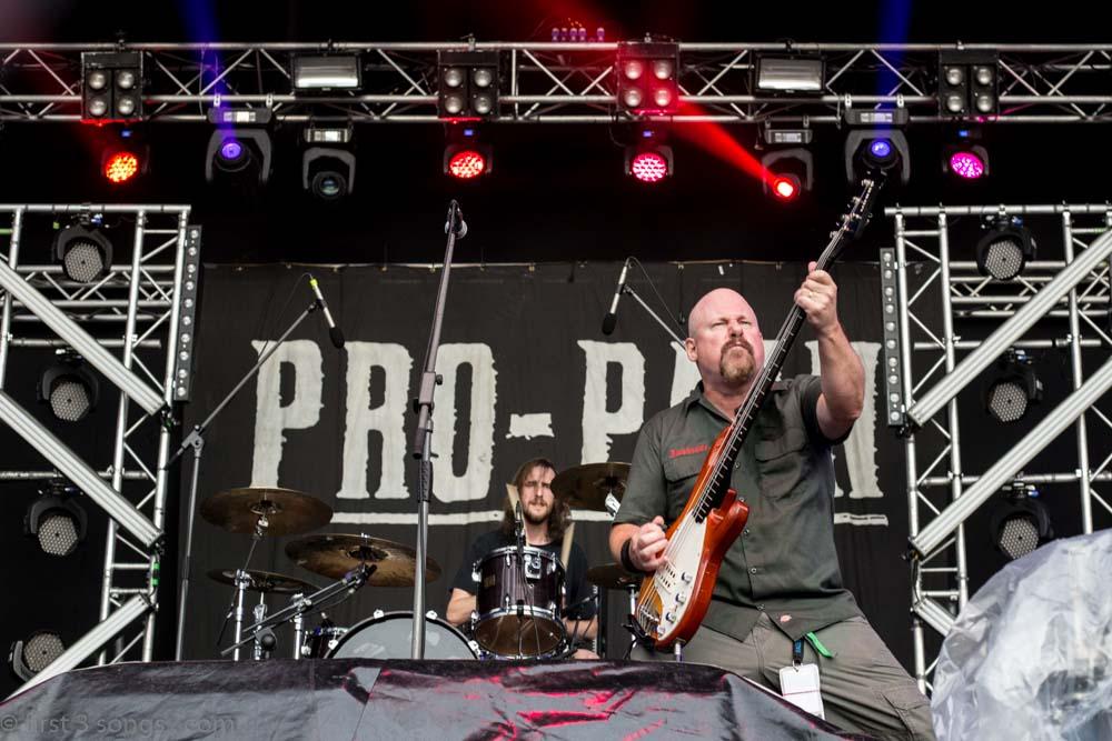 first3songs-olga-propain-metaldays-web-7020