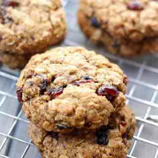 Whole Wheat Oatmeal Berry Cookies [Fit Mitten Kitchen]