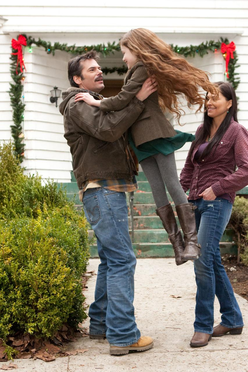 Breaking Dawn Part 2 Poster And Photos (9)