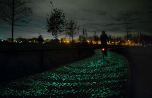 Netherland Got Glow in the Dark Bicycle Path