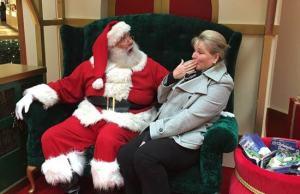 20 Funniest Santa's Lap Photos