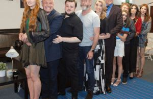An Awkward Prom Photo With The Cast of GameOfThrones