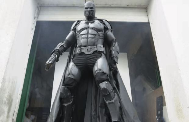 Batsuit Cosplay With 23 Gadgets