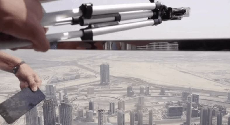Dropping The iPhone 7 From The World Tallest Building