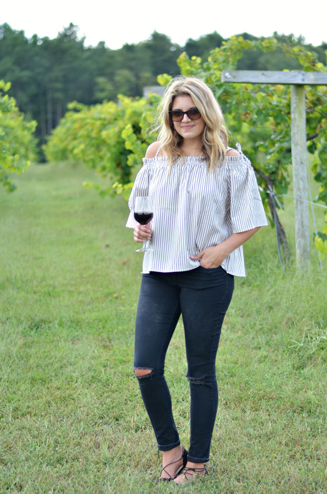 fall winery outfit - stripe off shoulder top with black jeans and lace-up flats | www.fizzandfrosting.com