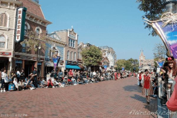 Hong Kong Disneyland Flights of Fantasy Parade Hannah Villasis