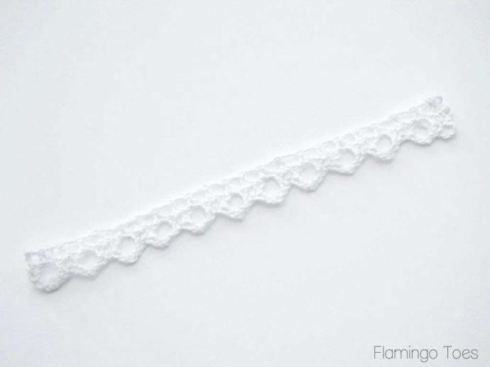 Gluing Lace for Bracelet