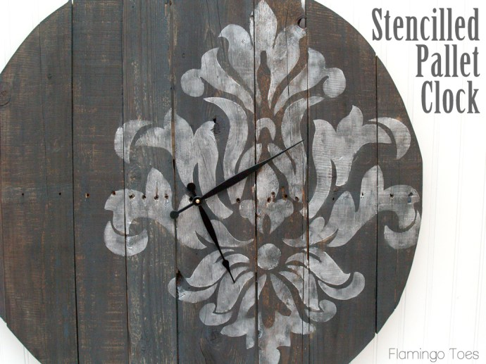 Stencilled Pallet Clock