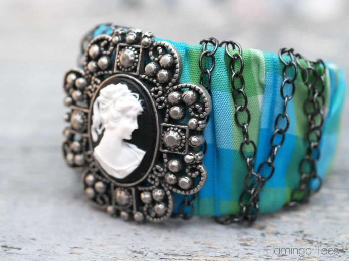 Chain and Cameo Bracelet