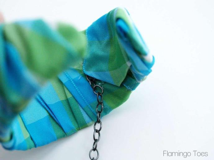 Gluing Chain to Bracelet
