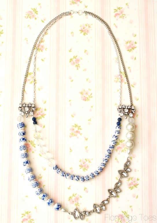 vintage style statement necklace