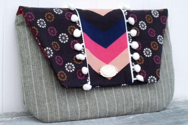 fold over snap clutch