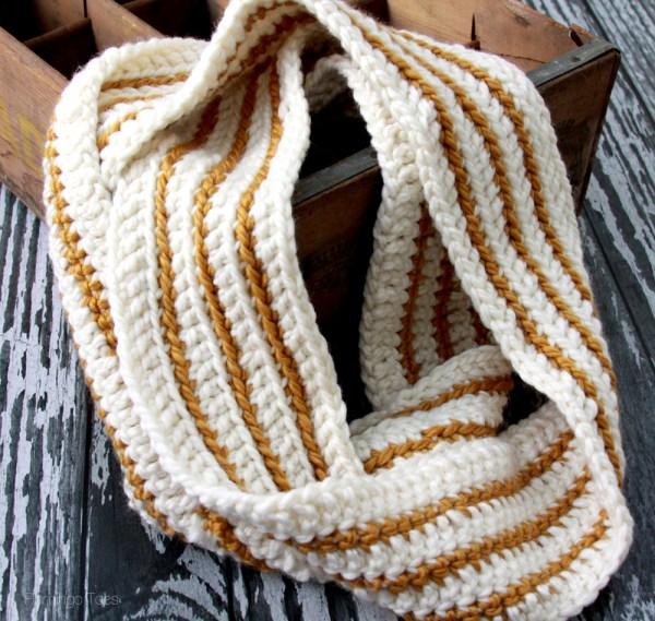 Easy-Striped-Crochet-Scarf