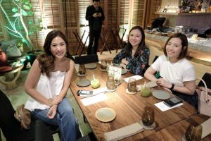 My tablemates - Chox Tibajia of Philippine Star and Maggie Francisco of Manila Bulletin