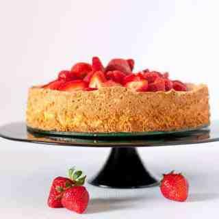 Gluten-Free Lemon Almond Cake with Strawberries www.flavourandsavour.com