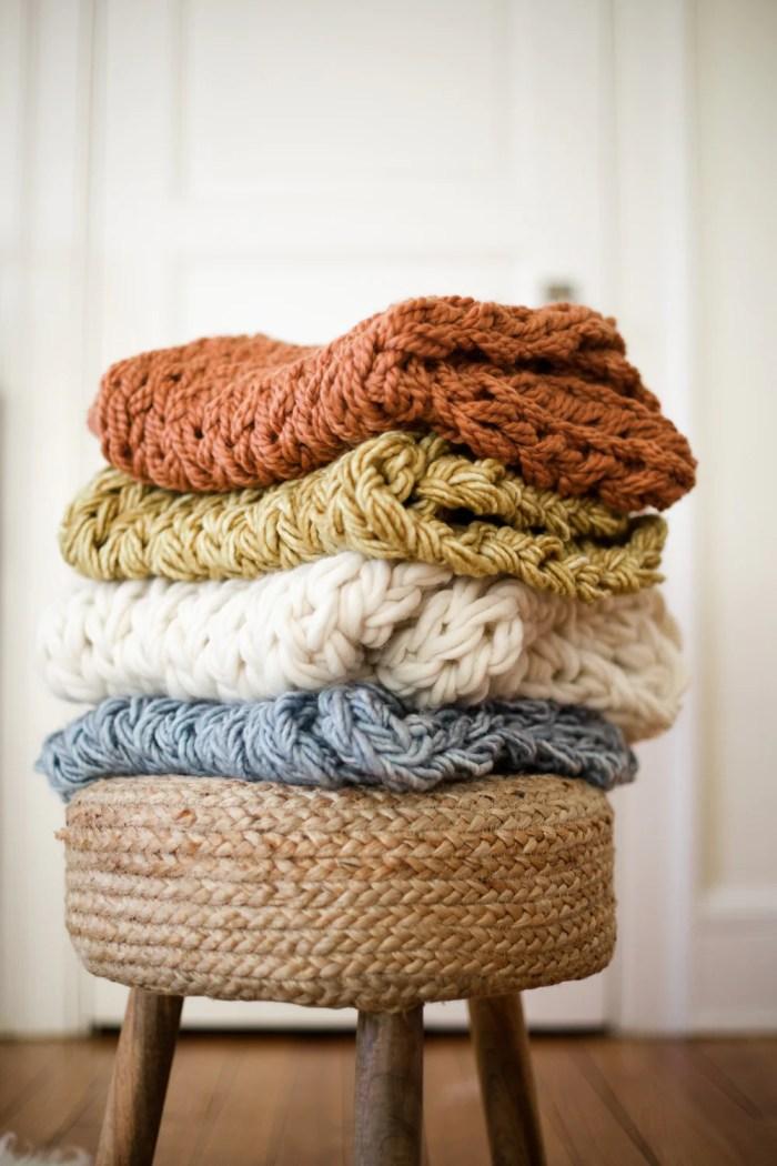 Arm knit cowl pile 63
