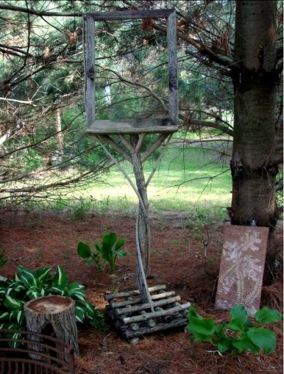 Jeanne's clever easel  to frame the view of the pines