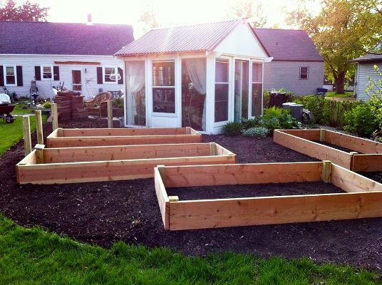 Raised beds surround the Lounge...how many???