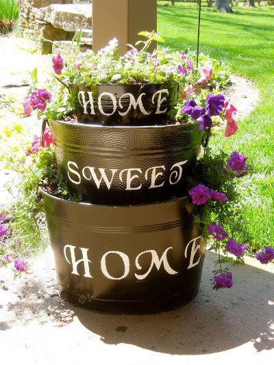 Kim Harmeyer combines a pot and an sophisticated 'garden sign.'