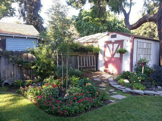Our flea market cottage garden