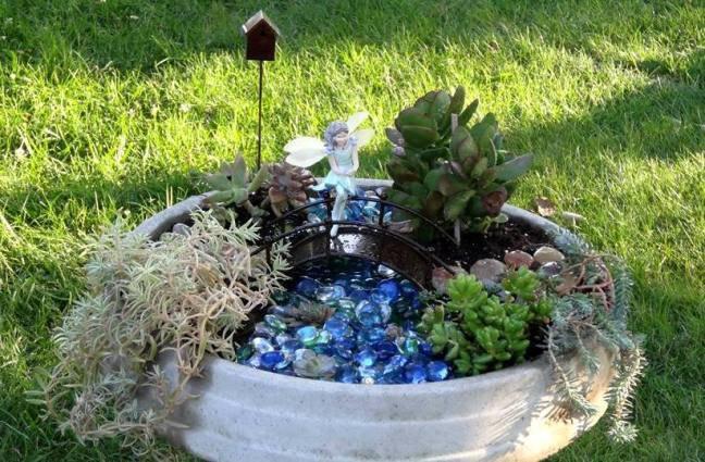 Bird Bath garden detail