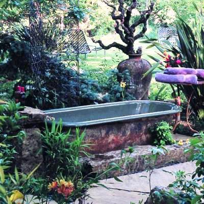Dreamy Bathtub In Anne Marie And Jeff Allenu0027s Garden From Sunset Magazine
