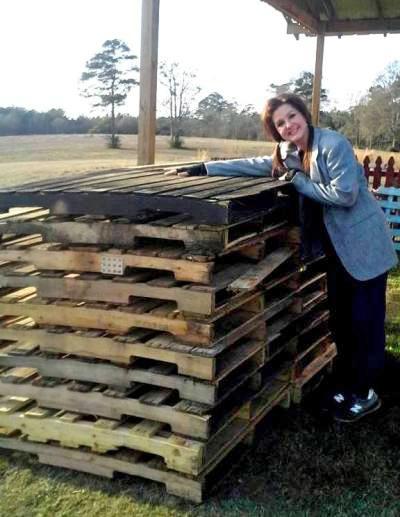 Billie Hayman asks, 'Is this enough pallets?'