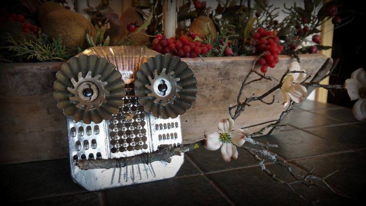 Annie's Grater owl complete with blossoming branch